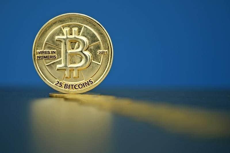 Thị trường bitcoin ra sao khi chứng khoán và giá dầu điều chỉnh mạnh