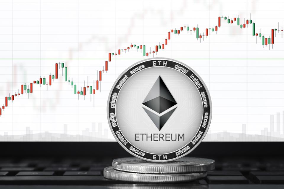Khối lượng giao ngay của Ethereum tăng trở lại, vượt qua cả Bitcoin