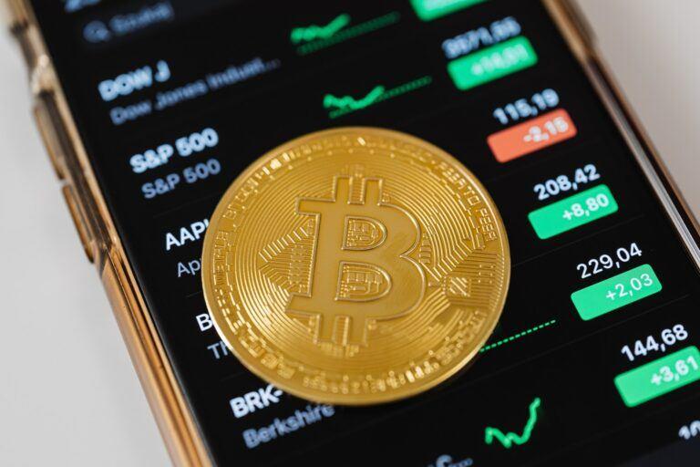 Nhà phân tích của Bloomberg: Giá Bitcoin vẫn có thể đạt 100.000 USD