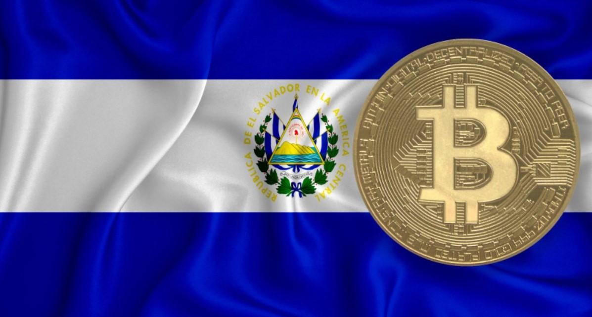 El Salvador tặng Bitcoin cho người dân